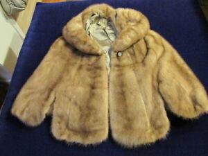 Vintage-1940s-Mink-Capelet-Stole-Shrub-w-Pockets-Stunning-Excellent-Condition-Qa