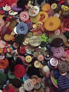 100-Mixed-Buttons