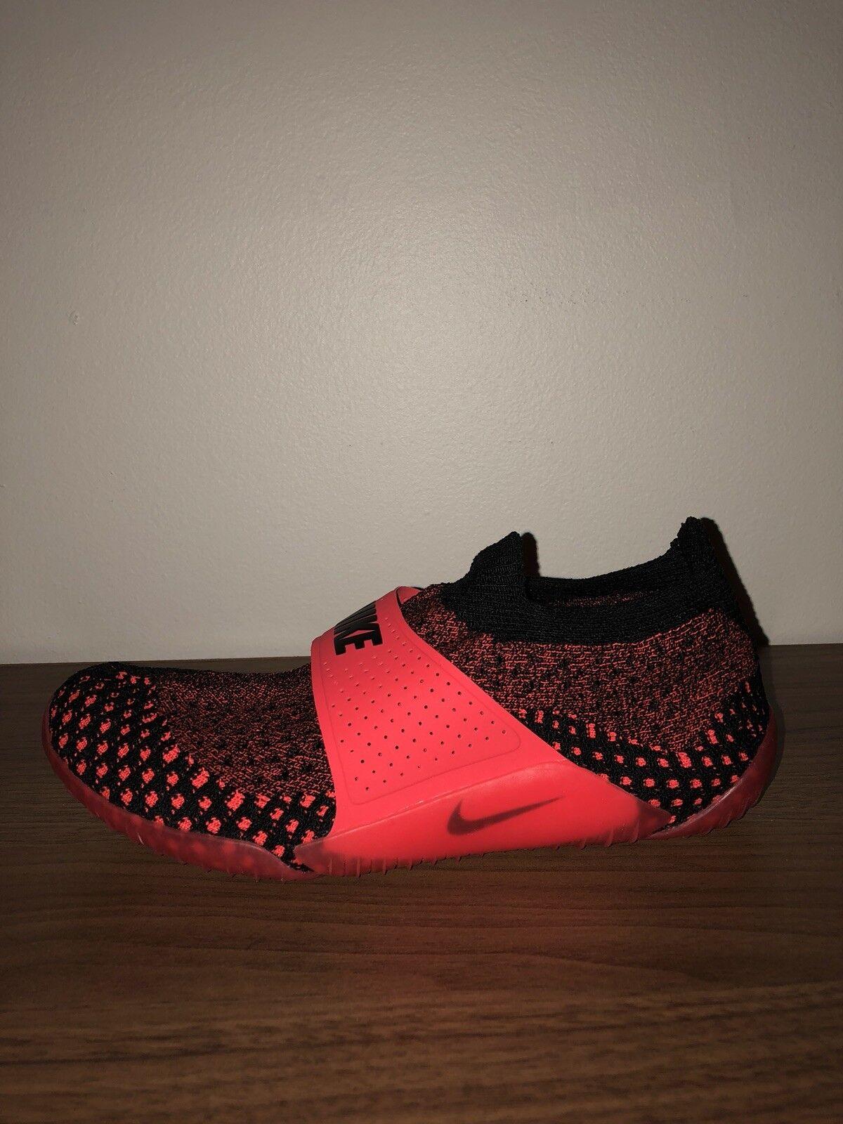 NikeLab City Knife 3 Flyknit Black/Bright Crimson 896284-002 Women's Size 7