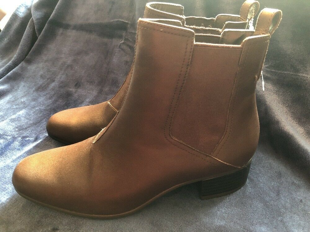 NEW WOMEN'S H BY HALSTON  ALISON  BROWN LEATHER ANKLE BOOTS - NWOB -SIZE 6.5M