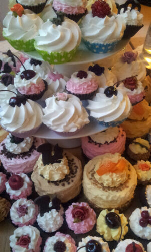 Clayre&Eef Petit Fours Törtchen Pralinen Macarons Makronen Muffins Cupcakes