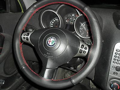 Alfa Romeo 147 Cubierta Del Volante Cuero Real Negro y Perforado Costuras Rojas