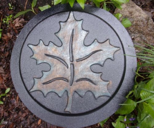 """Maple leaf stepping stone mold heavy duty plastic 1//8th/"""" mould"""