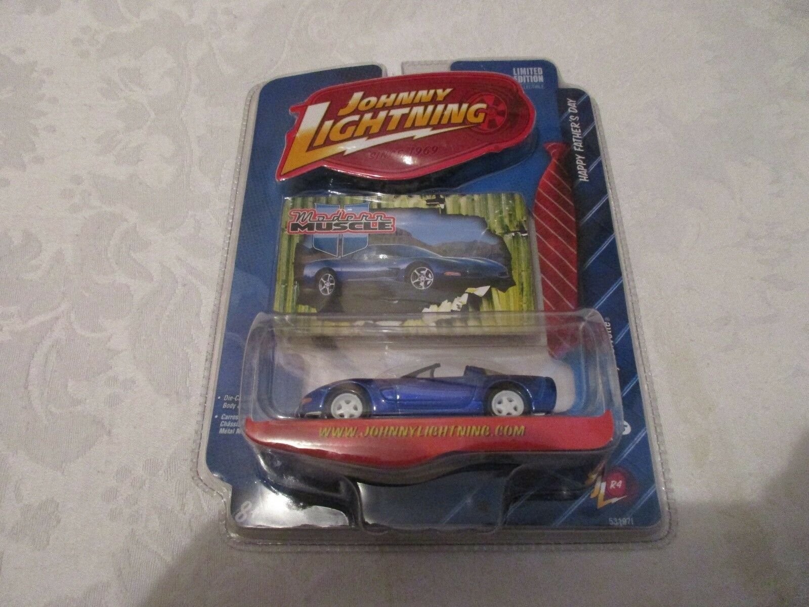 Johnny Lightning blanc Lightning Modern Muscle Father's Day'03 CHEVY CORVETTE