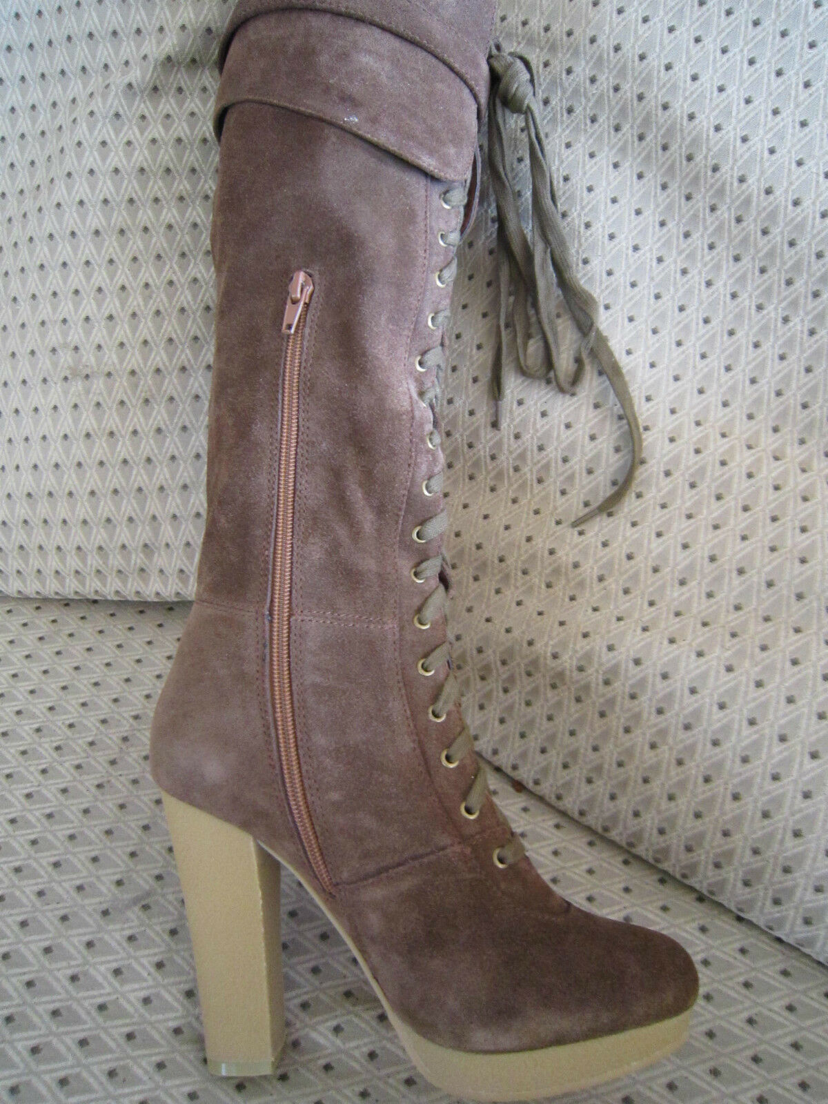 Deliciously Sexy     Chocolate Brown Suede CHARLES DAVID Boots    sz 7
