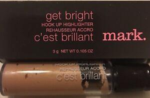 Avon-mark-Get-Bright-Hook-Up-EYE-FACE-Highlighter-GOLDEN-SHADE-New-in-Box