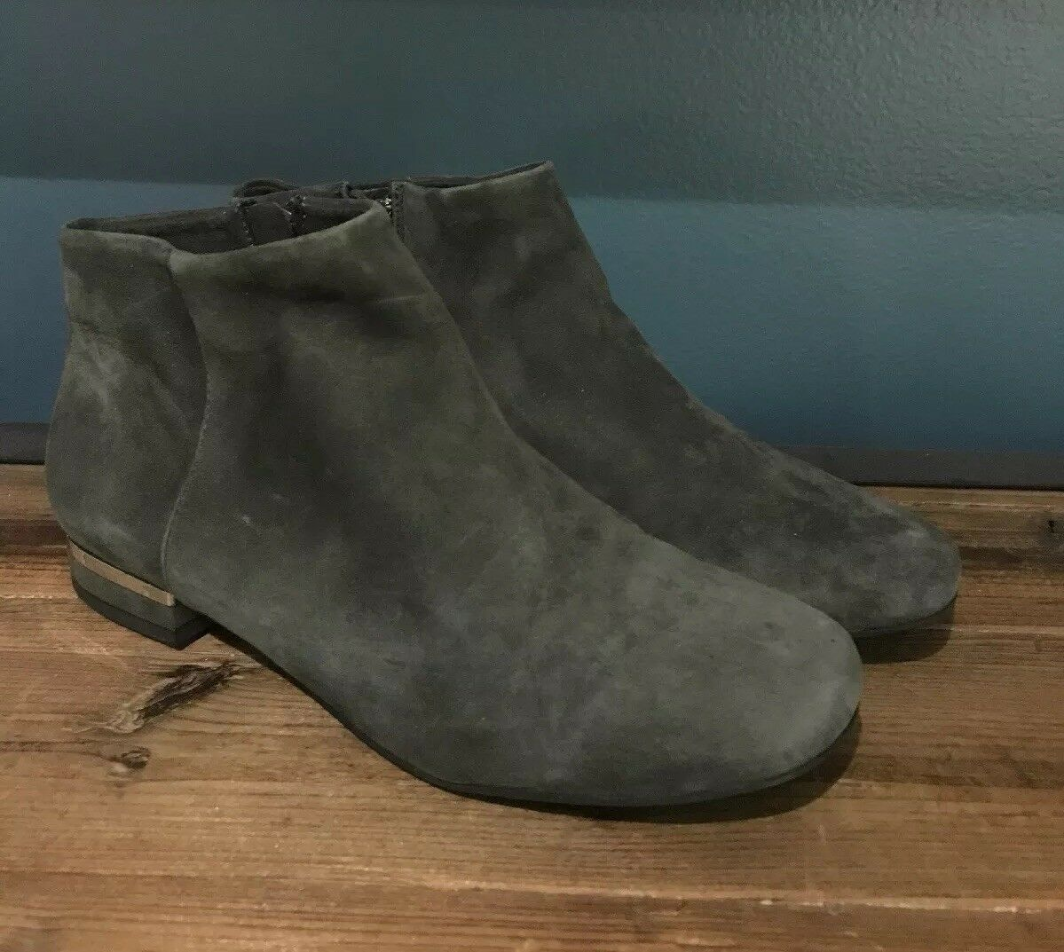 NEW Anthropologie Lein.do Delphinia Suede Ankle Stivali Stivali Stivali Size 7 Gray Bootie 228c0a