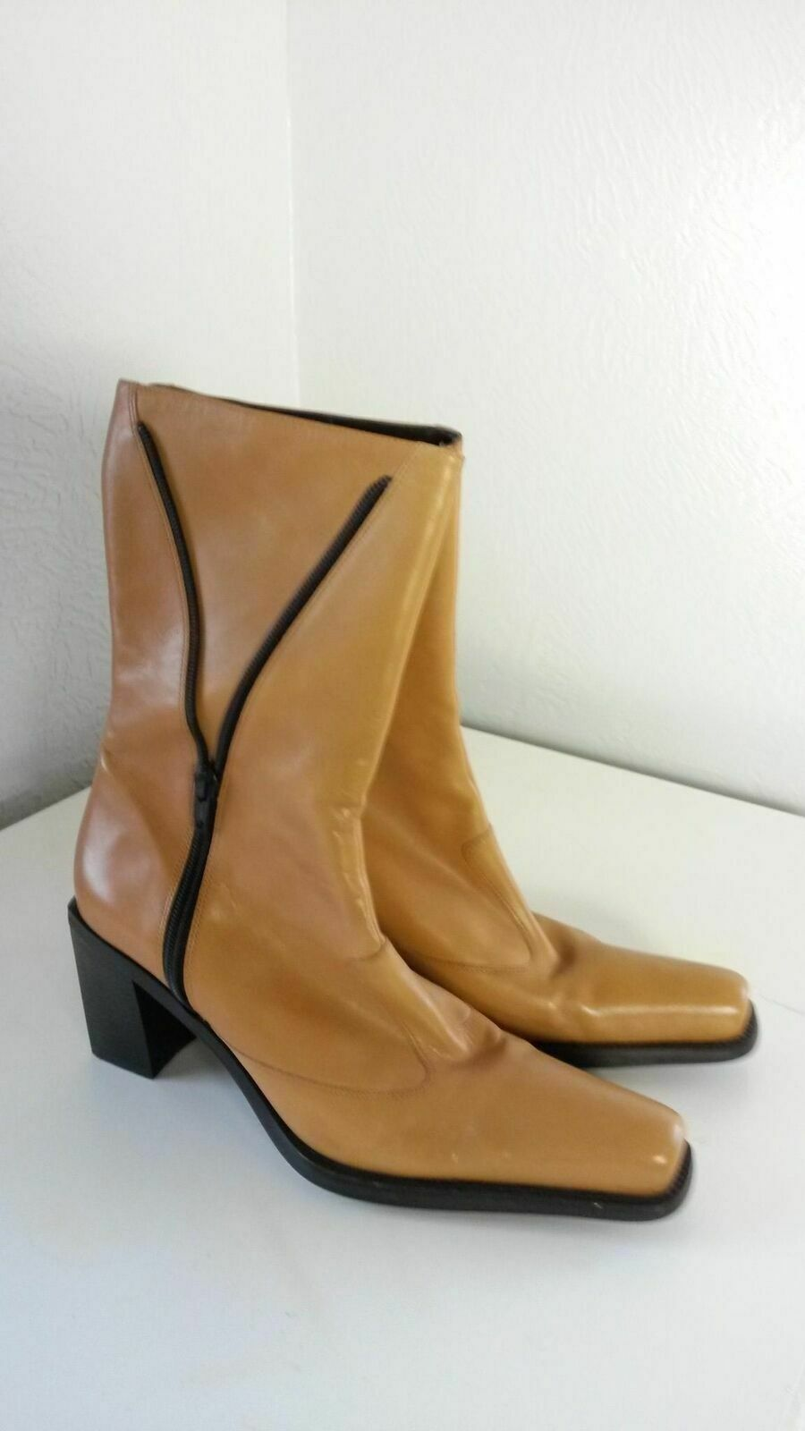 Tothemax  Women's Camel Leather Boots Very Good Cond. Size 8B   38.5 (068)