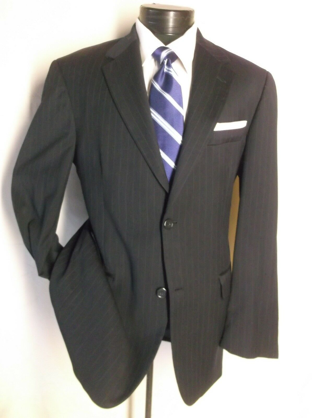 Amazing 2 PC  Suit Midnight bluee Pin Striped 2 Button 42R Pants 34 1 2   x 29