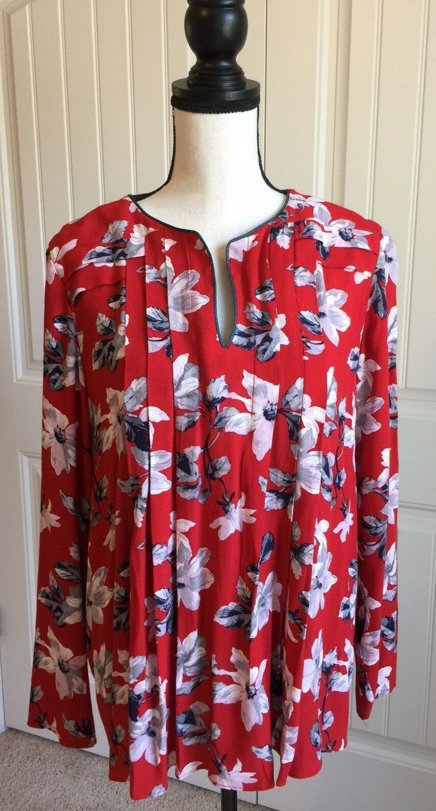 Joules Magda Red Floral Pleated Blouse - US 10