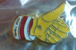 Ronald-McDonald-039-s-12-Months-Service-employee-1-year-achievement-pin-Thumbs-Up
