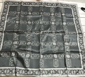 vintage-scarf-italy-gray-pattern