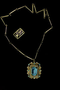 Vintage-Coro-Pendant-Necklace-Costume-Collectable-Blue-Glass-Faux-Pearls-1950s