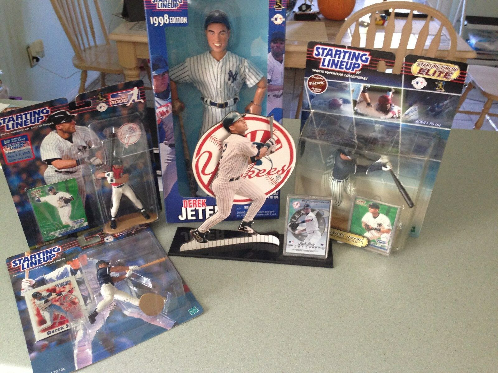 Derek Jeter SL action figures 4 MIB