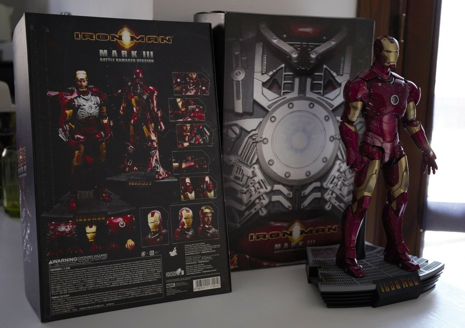 Hot Toys Iron Man Mac III Battle Damaged Version