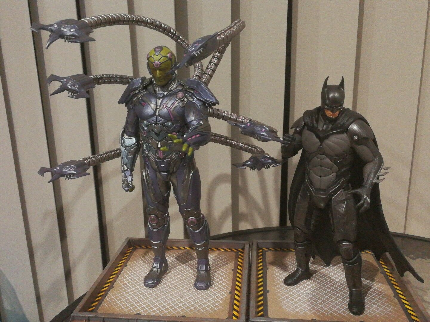 Dc Comics Injustice 2 Statues The Versus Collection Batman and Brainiac set