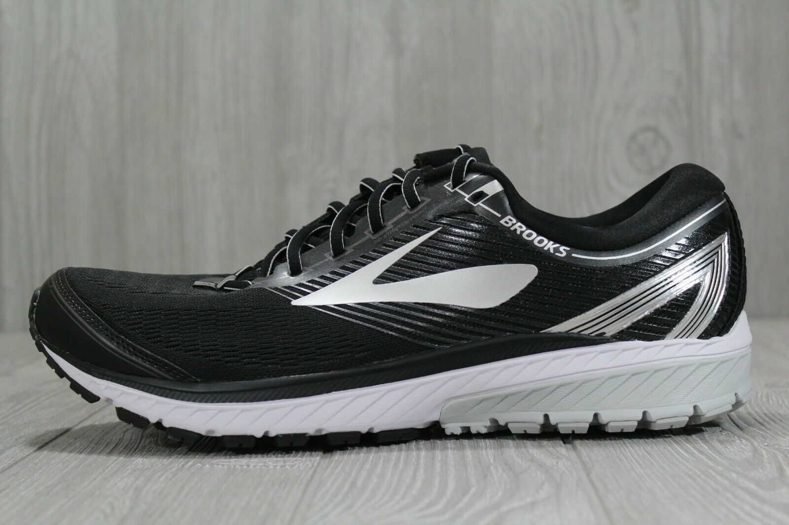 39 Brooks Ghost 10 Men's Size 8.5, 14 Black Silver Athletic Running shoes