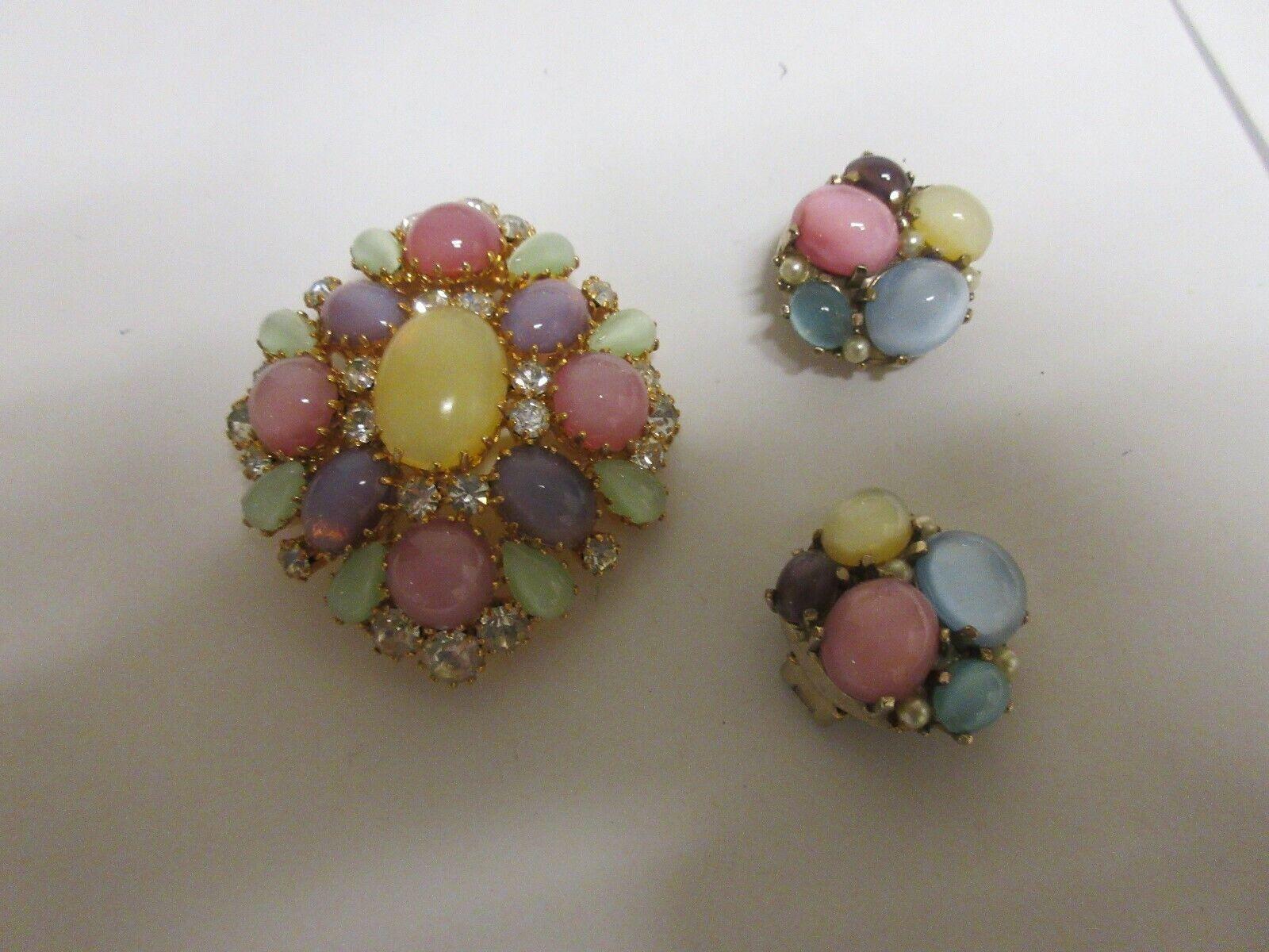 Costume Jewelry , Vintage , Multi Color Brooch & Earrin