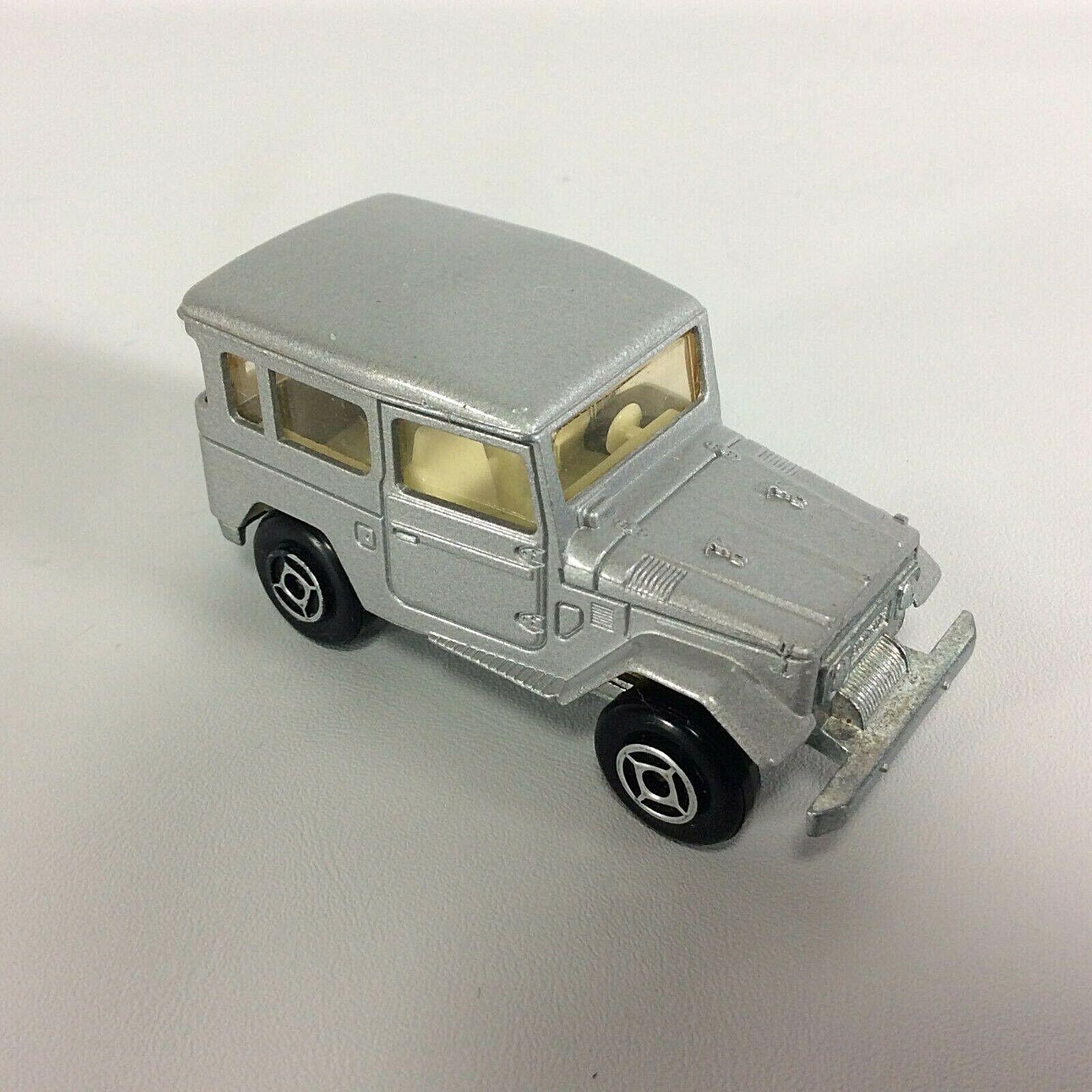 Toyota Land Cruiser Majorette 1 53 escala Diecast argento Hecho En Francia De Colección