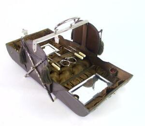 ultra-seltenes-Naehkoefferchen-in-Taschenform-Naehschatulle-mit-Quasten