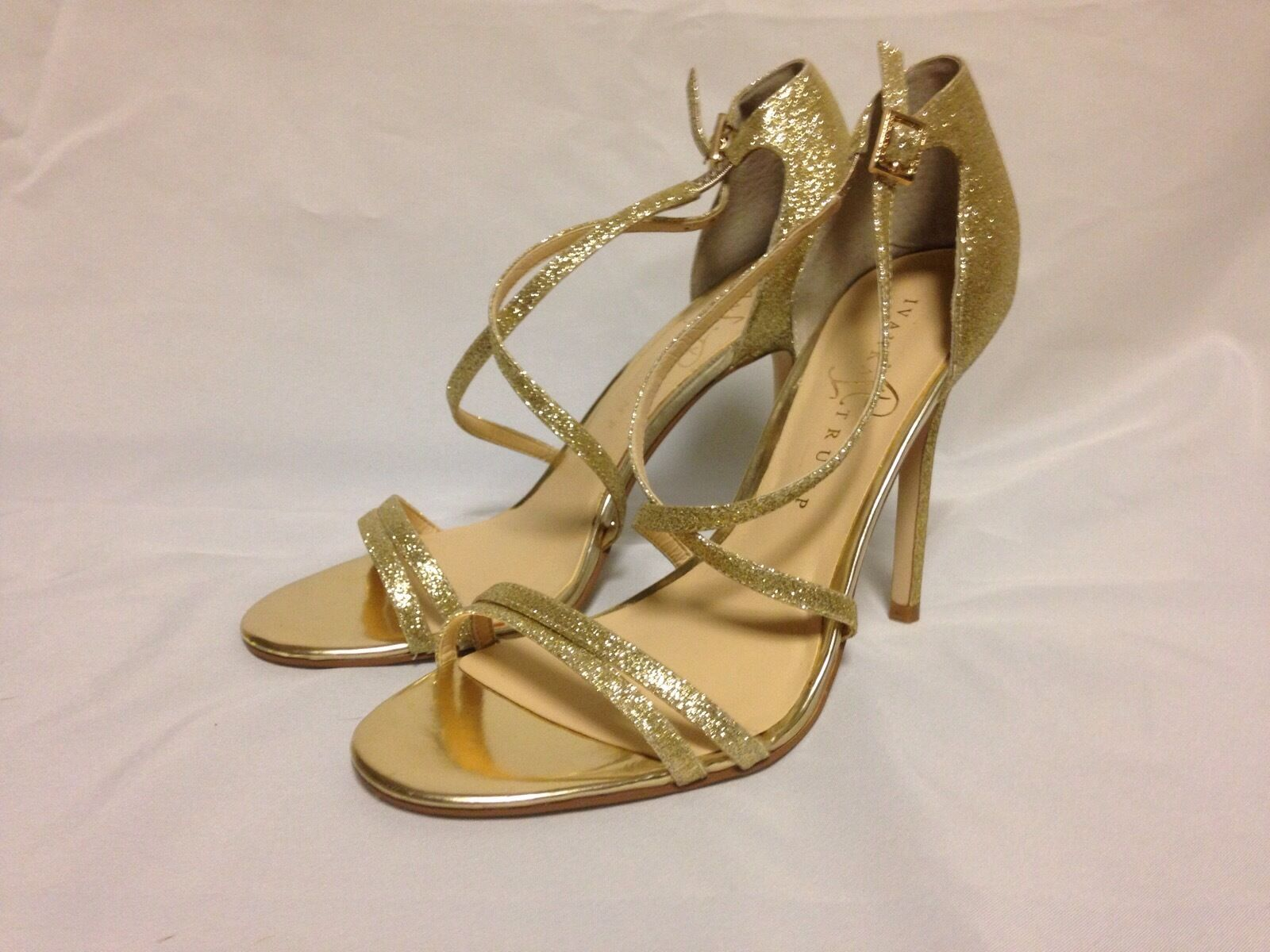 Ivanka Trump Duchess2 Strappy Sandal 8 M gold Texture Leather  New with Defects