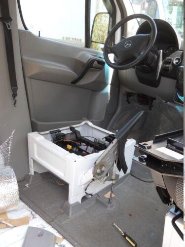 07 08 09 10 11 12 13 MERCEDES DODGE SPRINTER SEAT BELT