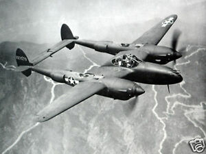 B-amp-W-WWII-Photo-P-38-Lightning-in-Flight-WW2-World-War-Two-USAAF-Air-Force