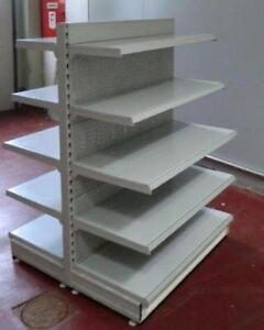 Pyramidentisch weiß auf Rollen Verkaufstisch Wühltisch Kleiderständer gebraucht