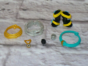 Mattel-Monster-High-Doll-ACCESSORIES-LOT-Belts-Shoes-Jewelry-Bracelets