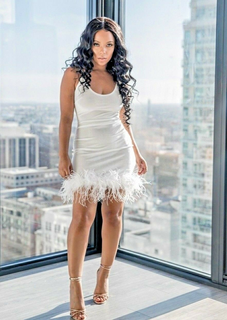 Women White Feather Detail Party Evening Dress