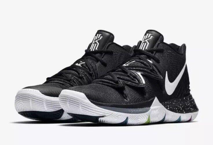 NUOVO Sz 13 Uomini 65533;s Nike Kyrie 5 nero  Magic Basketball scarpe Multi Coloree AO2918 -901  disegni esclusivi