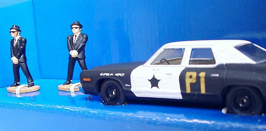 Corgi Toys 1 40 THE blueES BredHERS + POLICE CAR CAR CAR Movie Model Car CC06001 MIB`02  adf7dc