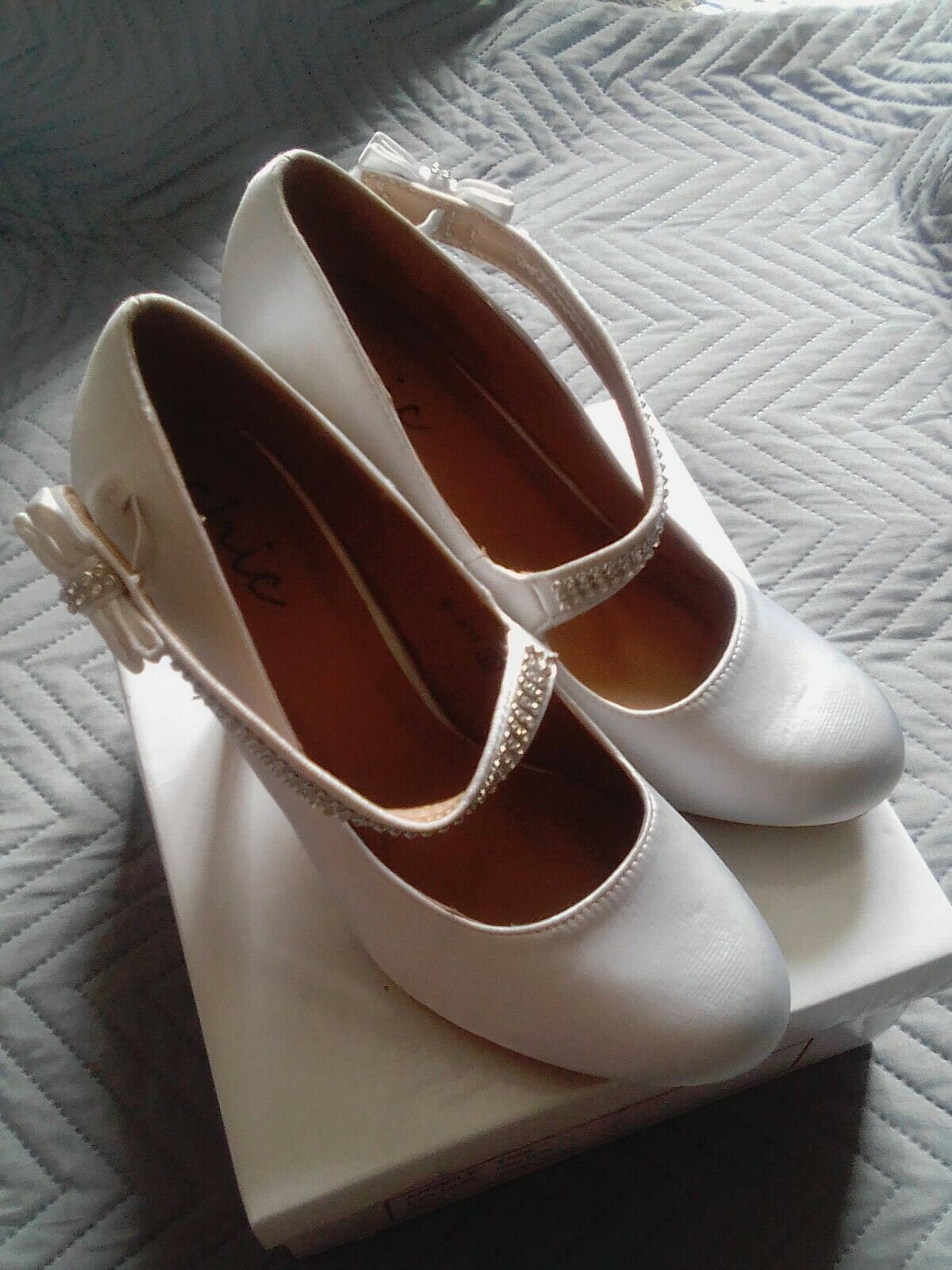 Chic Elasticated Pull On Wedding Shoes UK:5 Box Says IVORY SATIN But More White