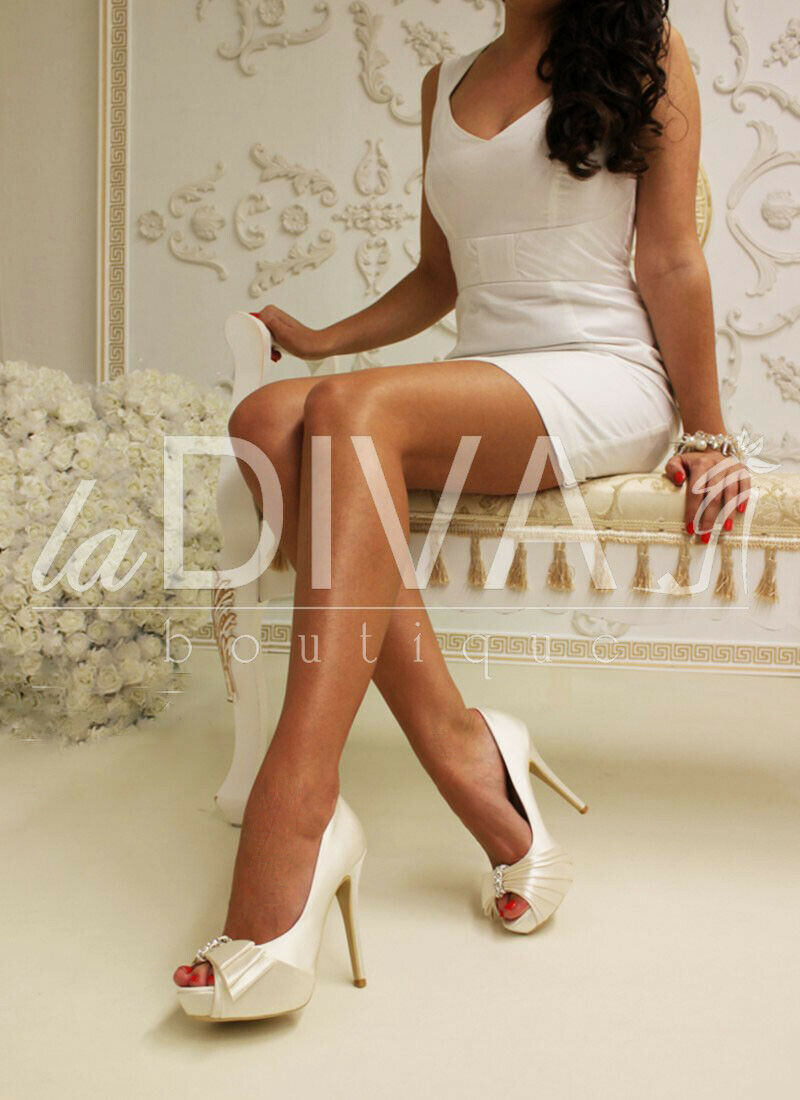 mänburs skor från vita Bridgummän, Peep Toe Diamante Bow 36 36 36 Satin läder  extremt låga priser