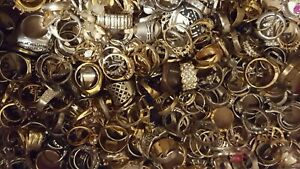 ESTATE-VINTAGE-NOW-JEWELRY-LOT-NECKLACES-EARRINGS-READY-TO-WEAR-NO-JUNK-5-pc