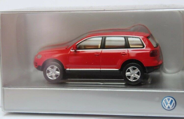 VERY RARE VW TOUAREG 7L I V10 TDI 4-MOTION 2003 RED 1 87 WIKING (DEALER MODEL)