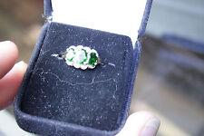 Ladies 9k Yellow gold ring 3 oval Green stones +single cut diamonds sz 6.5 2.4gm