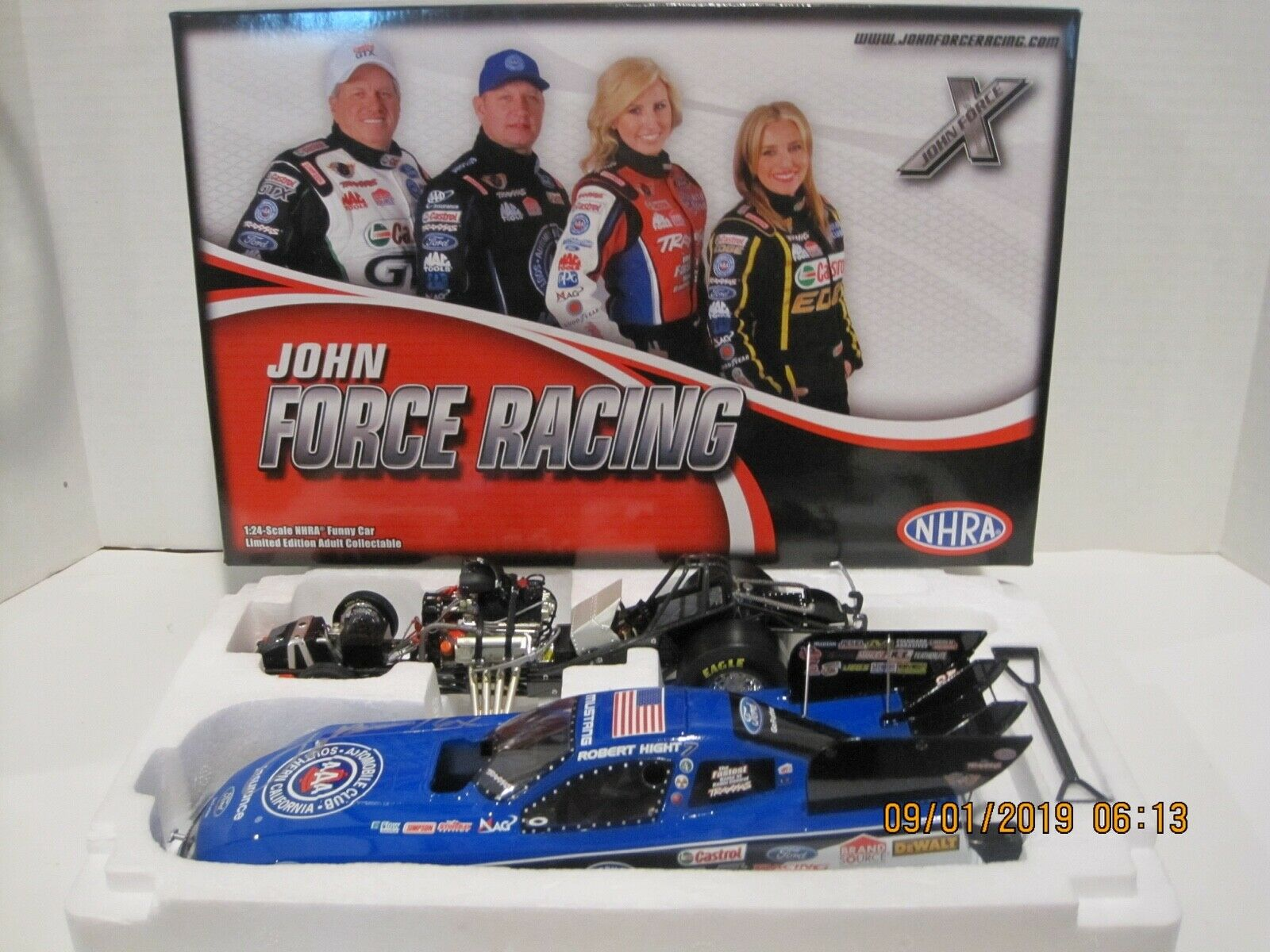 ROBERT HIGHT 2013 AAA  AUTOGRAPHED BY JOHN MUSTANG FUNNY CAR 1 24