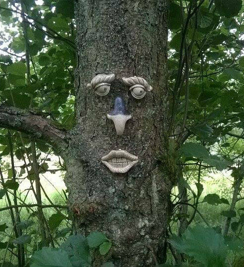 GARDEN TREE FACE NOVELTY GARDEN ORNAMENT DECORATION FUNNY FENCE SHED FACE TF102