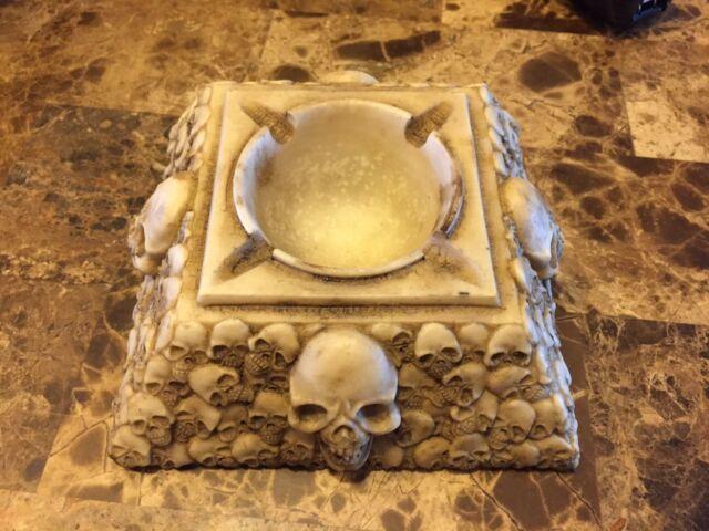 NEW never used Smoking Skull skeletons Resin Ashtray LOOK