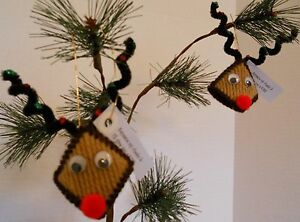 Set-Of-2-Reindeer-Ornaments-Kiss-Squeeze-My-Cheeks-Christmas-Holiday-Decorations