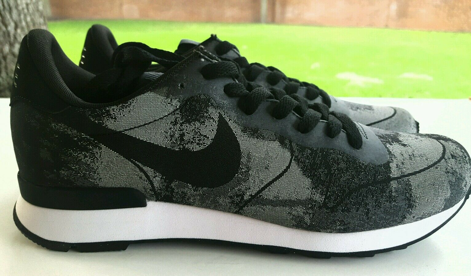NIKE INTERNATIONALIST JCRD COOL GREY BLACK SIZE 9 725063-001