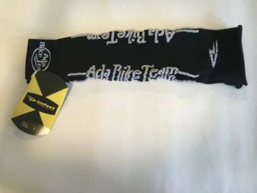 Defeat Cycling Arm Warmers Size Small//Medium.