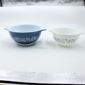 VINTAGE PYREX COLONIAL MIST CINDERELLA MIXING NESTING BOWLS #441  442 Lot of two