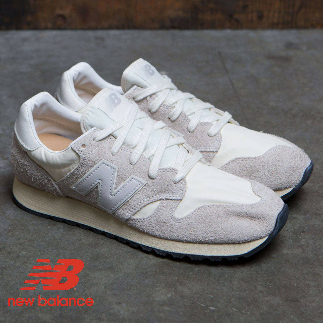 New Balance 520 Retro Men's Sneakers White Grey Suede Size 7 NEW in BOX