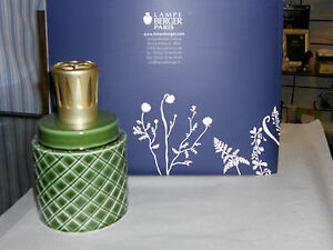 LAMPE BERGER  HOME FRAGRANCE LAMP  GREEN PORCELAIN  NEW - <span itemprop='availableAtOrFrom'>West Bromwich, West Midlands, United Kingdom</span> - LAMPE BERGER  HOME FRAGRANCE LAMP  GREEN PORCELAIN  NEW - West Bromwich, West Midlands, United Kingdom