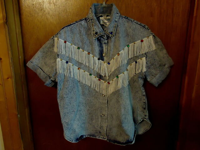 Womens Blue Diamond Size M Cow Girl Type Of Jean Top With Rhinestones / Studs /