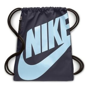 d572d7dc923d3 Das Bild wird geladen Sportbeutel-Nike -Heritage-Gymsack-BA5351-081-marineblau-Beutel-