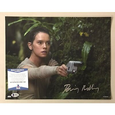120611 Daisy Ridley Signed 11x14 STAR WARS Topps Photo Rey BAS WITNESSED COA