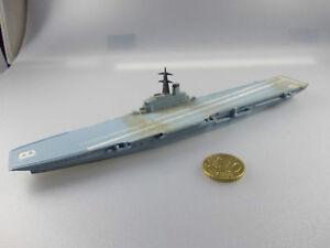 Triang Minic: M 751 HMS Bulwark  (Nr.12 K22)
